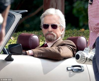 Antman Michael Douglas in Car
